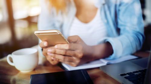 Le Smartphone en première place pour l'accès à Internet en France
